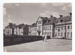 Pologne WARSZAWA Miodowa En 1961 Simca Versailles Ou Ariane Break VOIR TIMBRE BOXE Helsinki - Polonia