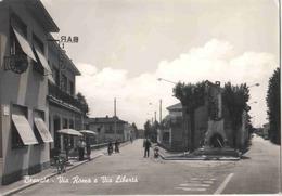 Besnate , Italie, Lombardie. Via Roma E Liberta. Cartolina Rara, Animata,  Francobolli. Rare, Animée, Timbrée. 2 Scans - Other Cities