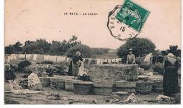 CPA BATZ Le Lavoir Anime - Batz-sur-Mer (Bourg De B.)