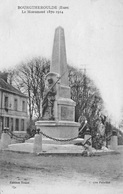 Monument Aux Morts De Bourgtheroulde (Eure) - Bourgtheroulde