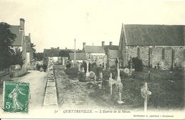 QUETTREVILLE (50)  - L' Entrée De La Messe - France