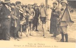 NICE - Tour De France - Cyclisme - Georget Et Petit-Breton Après L'arrivée - Cecodi N'966 - Nice