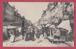 27 - GISORS---La Grande Rue Un Jour De Marché---animé - Gisors