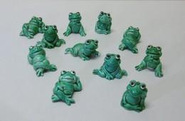 11 Miniatures De GRENOUILLES En Plastique - Bibelot Animaux Grenouille - Dieren