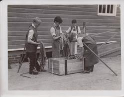 SIR WILLIAM TRELOARS CRIPPLES ON WAR SERVICE ALTON STRAPS BELTS   21*16CM Fonds Victor FORBIN 1864-1947 - Profesiones
