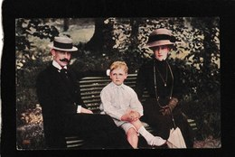 Norway-King, Queen And Olav Sitting On Park Bench 1911 - Antique Postcard - Norway