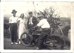 MOTO  ANNEES 1940 ENVIRON - Fotos
