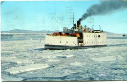 ONE OF THE WINTER FERRIES BETWEEN QUEBEC AND LEVIS, QUEBEC. CANADA POST CARD CPA CIRCULATED 1964 - LILHU - Sin Clasificación
