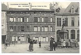 SAINT FLOUR - Place De L'Hôtel De Ville - Saint Flour