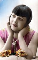 Hübsche Junge Frau Mit Perlenkette 1927, Seltene Frankierung Freie Stadt Danzig, Sonderstempel Zoppot - Frauen