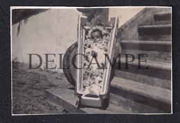 REAL PHOTO PORTUGAL POST MORTEM BEBÉ BABY ENFANT 1940'S - Personnes Anonymes