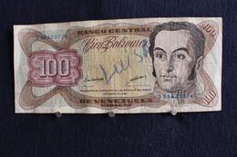 24 / Banco Central De La Venezuela - 100 - Cien Bolivares - 18 . Octobre . 1998  / N° J 58923074 - Venezuela