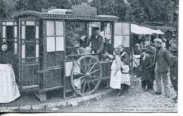 N°73282 -cpa Fête Foraine -marchand De Frites Ambulant- - Marchands Ambulants
