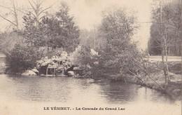 LE VESINET - La Cascade Du Grand Lac - Le Vésinet