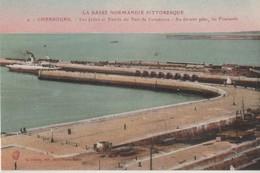 CPA 50. CHERBOURG. Les Jetées Et Entrée Du Port De Commerce - Cherbourg