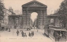 ***  33  ***   BORDEAUX  La Porte D'aquitaine Et Le Tram électrique Gros Plan - TTB - Bordeaux