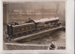 LNE RAILWAY LONDON EDINBURGH NEW RACING ENGINE    24*19 CM Fonds Victor FORBIN 1864-1947 - Trenes