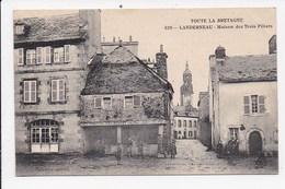 CPA 29 LANDERNEAU Maison Des Trois Pilliers - Landerneau