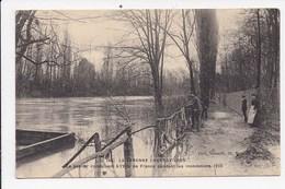 CPA 94 LA VARENNE CHENNEVIERES Le Sentier Conduisant à L'Ecu De France Pendant Les Inondations - Chennevieres Sur Marne