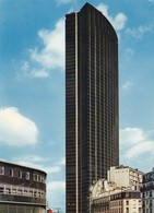 PARIS. TOUR MAINE MONTPARNASSE. STATION SERVICE ELF. ANNÉE 1977 - Arrondissement: 15