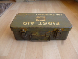 Boite US FIRST AID WW2 - 1939-45