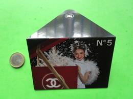 CHANEL   -   Carte Parfumée Enveloppe - Modernes (à Partir De 1961)