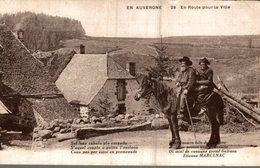 EN AUVERGNE  EN ROUTE POUR LA VILLE - Auvergne