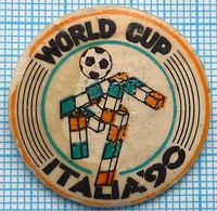 USSR / Badge / Soviet Union / Football. FIFA Cup World Championship ITALIA 90/ - Football