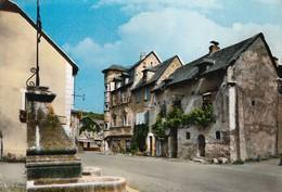 12 - Sainte Eulalie D'Olt : Le Centre -  CPM écrite - Other Municipalities