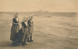 PC53339 Children On The Beach. Zeeland. Holland. F. B. Den Boer. 1910 - Postkaarten