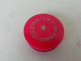 Boite à Fard De Collection Chic De Paris, Valyko, Cosmétique Ancien - Beauty Products