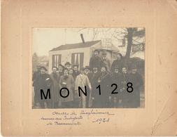 BEAUMONT SUR OISE-OEUVRE DE BIENFAISANCE SECOURS AUX INDIGENTS 1921-PHOTO COLLEE SUR CARTON DUR 17x12 Cms-PHOTO A.BIRON - Places