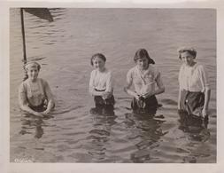 LADIES WHO SWIM IN THEIR CLOTHES THAMES WEYBRIDGE  21*16 CM Fonds Victor FORBIN 1864-1947 - Fotos