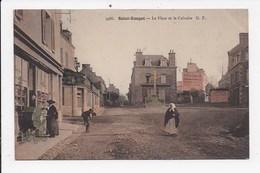 CPA 35 SAINT ENOGAT La Place Et Le Calvaire - France