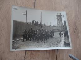 Photo Originale Guerre Militaire Guerre Européenne Patrouille Allant à Son Poste Cliché M.ROL - Guerre, Militaire