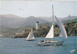 66. PORT VENDRES. RÉGATES VIRANT AU PHARE. ANNÉE 1967 - Port Vendres