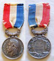 NAPOLEON III TETE NUE. MINISTERE DE L'INTERIEUR. ARGENT. ATTRIBUEE 1854. ETAT TTB/SUP. BELLE PATINE D'ARGENT) - Medals