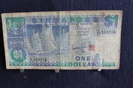 43 /  Singapore 1$  - One Dollar  /  N° 353715 - Singapore