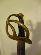 SABRE  D' OFFICIER - DE CAVALERIE LEGERE  - TYPE 1822 -  FIN  XIX éme SIECLE - Knives/Swords