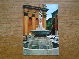 Italie , Novi Ligure , Fonfana Della Piazza M. Dellepiane - Italie