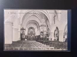 CPA.(80) ROISEL. Intérieur De L'église. Animation. 1 Personne De Dos (G.200) - Autres Communes