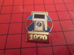 918c Pins Pin's / Rare & Belle Qualité  THEME CARBURANTS / POMPE A ESSENCE ELF 1970 - Carburants