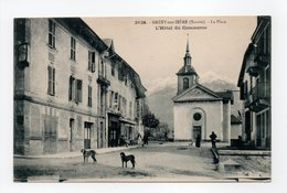 - CPA GRESY-SUR-ISERE (73) - La Place - L'Hôtel Du Commerce (avec Personnages) - Photo Grimal 3125 - - Gresy Sur Isere