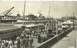 ( BOULOGNE SUR MER )( 62 PAS DE CALAIS )  DEBARQUEMENT DES TOURISTES ANGLAIS - Boulogne Sur Mer