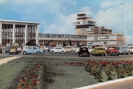 Aéroport De Marseille-MARIGNANE - Automobiles - DS Verte Citroën - Marignane