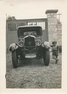 Snapshot Enfant Avec Peugeot 201 Voiture Automobile Vintage France Plaque - Cars