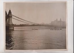 LONDON 1922 CAMBRIDGE LEADING Hammersmith Bridge RIVER THAMES REGATTA BOAT RACE  25*20CM Fonds Victor FORBIN 1864-1947 - Lugares