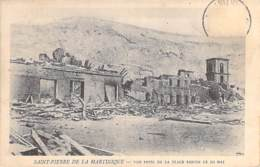 EVENEMENTS Catastrophes (Eruption Volcanique 8 Mai 1902) MARTINIQUE St PIERRE Vue Prise De La Place Bertin Le 10 Mai CPA - Rampen