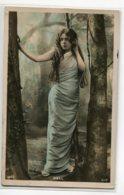 ARTISTE 1072 DOLL Dans La Foret Robe Bleue 1906 écrite  Photographe REUTLINGER - Artistas