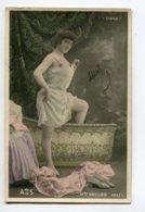 ARTISTE 1091 Mlle DECLOS Prend Son Bain  283/ 5   EROTISME Nuisette  Jambes Nues à La Cigale 1905 - Oper